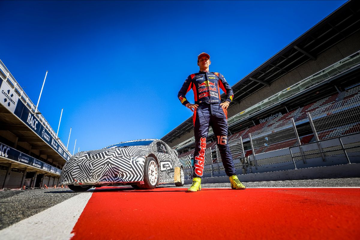 WORLD CHAMP AMONGST INTERESTED VISITORS AS FIA RX2e CAR LAPS UP ATTENTION ON INTERNATIONAL DEBUT, QEV